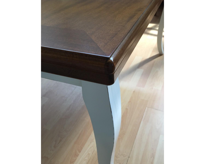Tavolo legno bicolore anticato provenzale 100x100 for Tavolo bianco e legno