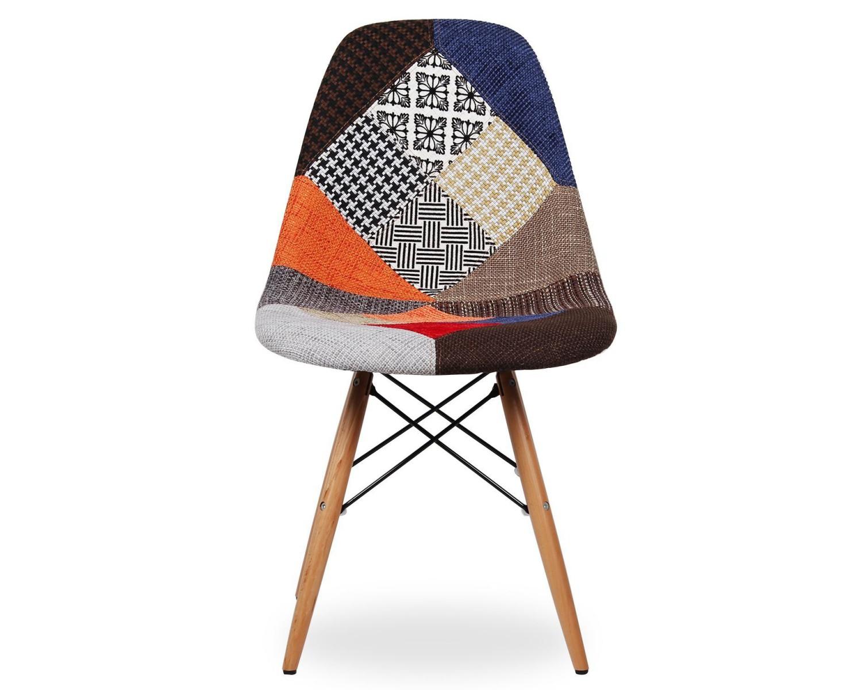 Sedia design in tessuto patchwork con gambe in legno di faggio for Sedie di design in legno