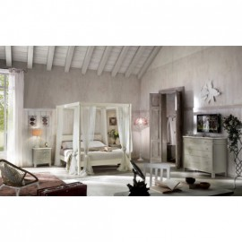 CANOPY BED IN WOOD WITH white or ivory