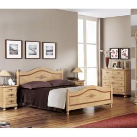 letto decorato in legno massello